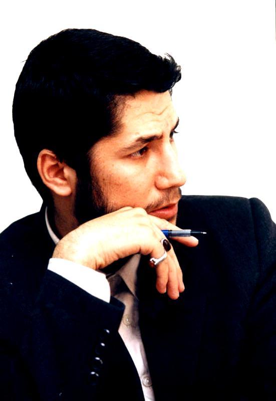 حسین زکریایی عزیزی